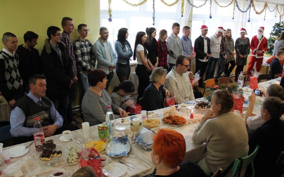 Boże Narodzenie w klasach szkoły przysposabiającej do pracy