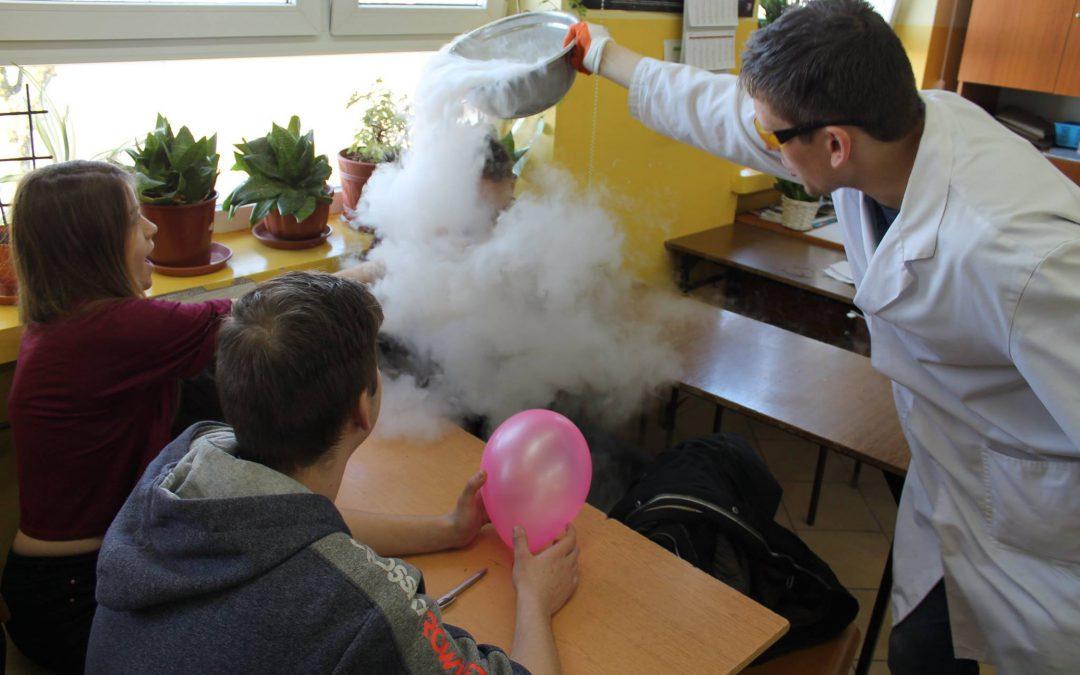 Warsztaty fizyczne i chemiczne